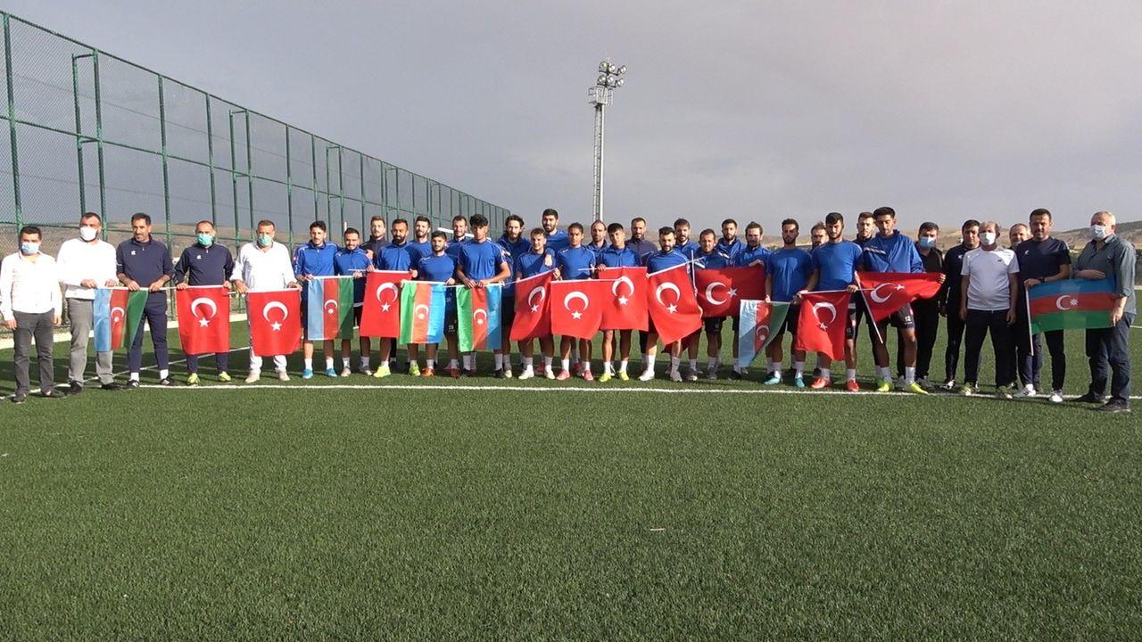 Kırıkkalespor'dan, Azerbaycan'a bayraklı destek