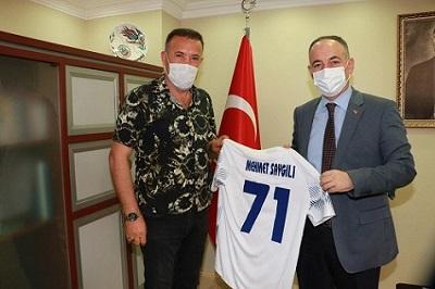 Başkan Uça'dan Belediye Başkanı Saygılı'ya ziyaret