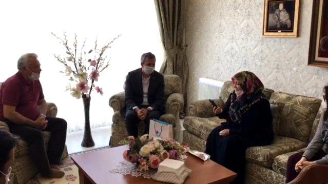 Bakan Soylu şehit annesiyle telefonda görüştü