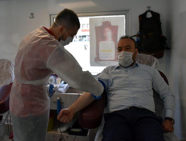 AK Parti Kırıkkale İl Teşkilatından kan bağışı